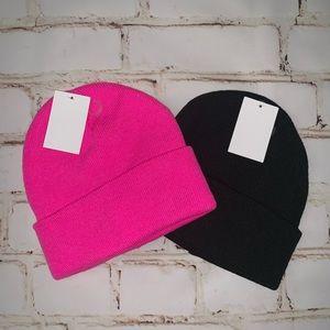 2 unisex knit beanies